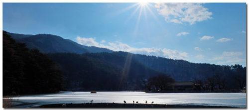 千鹿頭池と青空