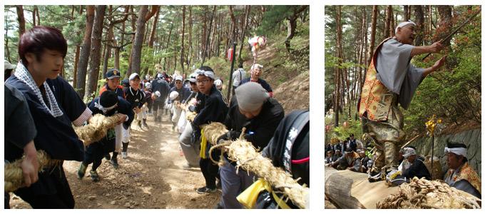 建立祭 険しい山道を御柱が曳かれる